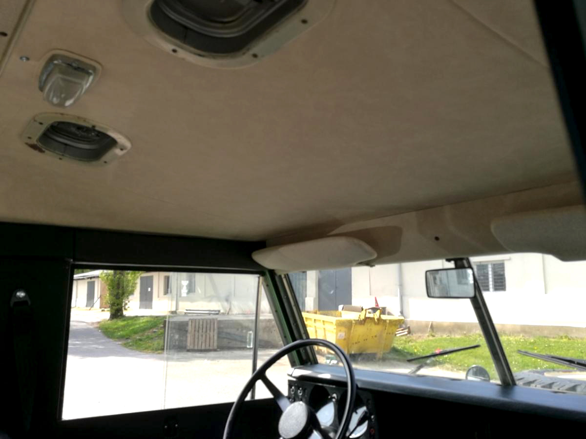 Ciel de toit Land Rover Série III 109 SW Safari
