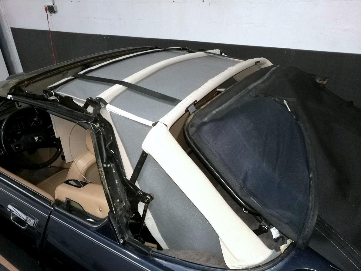 Remplacement du ciel de toit Jaguar XJS Cabriolet pendant travaux