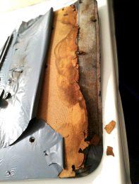 Réparation panneau de porte Peugeot 504 RC Sellerie