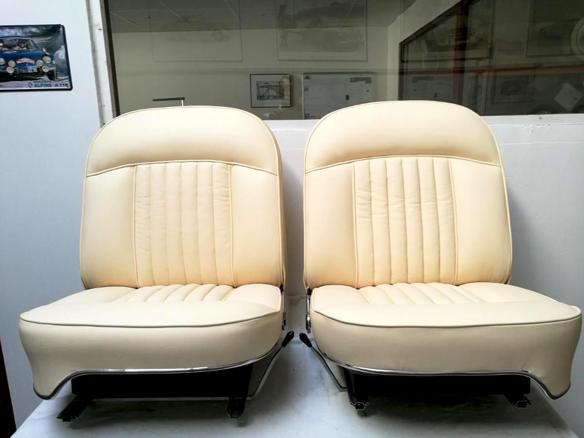 Rénovation Sellerie cuir Peugeot 404
