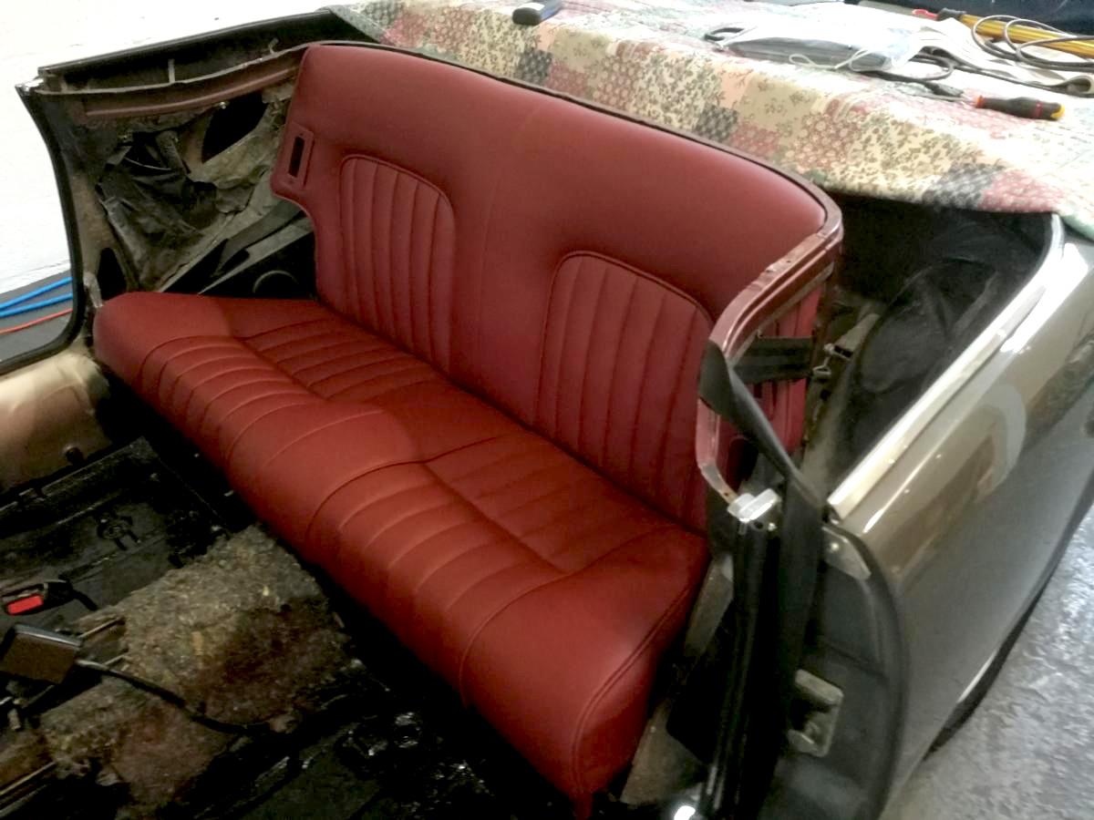 Sellerie cuir banquette 504 Cabriolet Renaissance