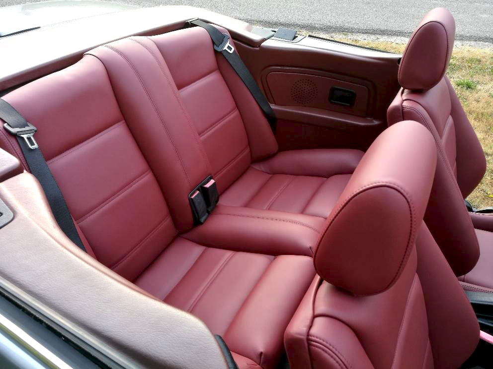 Sellerie cuir BMW 325 E30 après rénovation
