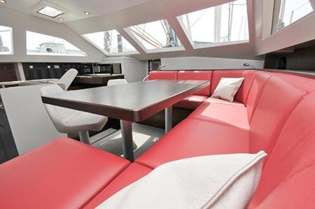 aménagement intérieur bateaux nautisme coussins banquette vaigrage rc-sellerie
