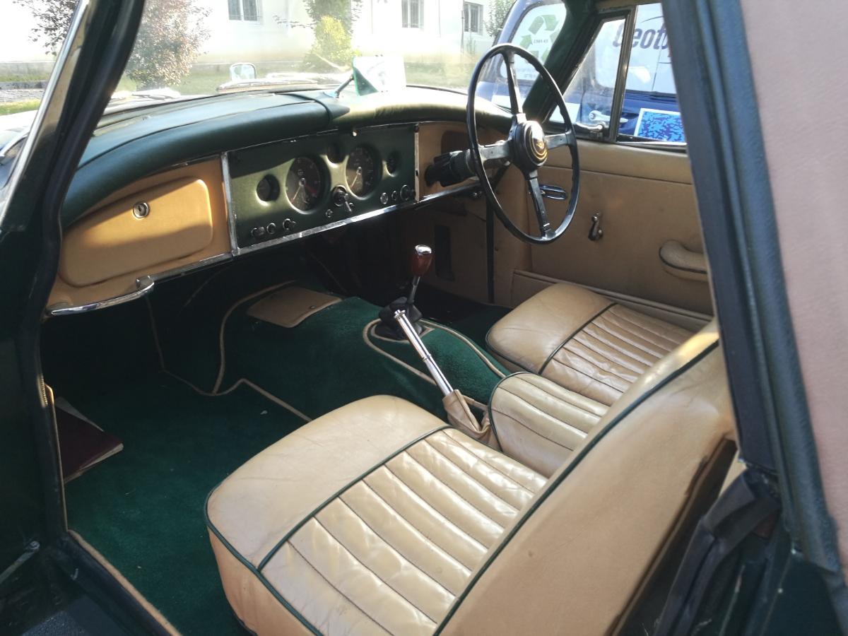 Remplacement mousses intérieur cuir Jaguar XK150