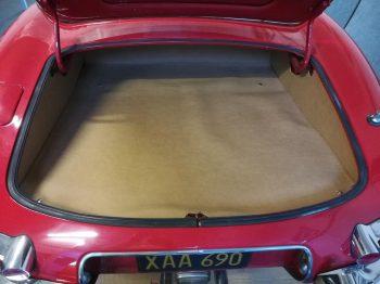 Rénovation Habillage coffre Jaguar Type E RC Sellerie