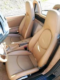 Siège cuir nettoyé et traité Porsche Boxster RC Sellerie