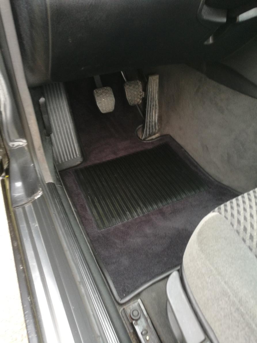 Réalisation tapis moquette luxe Coupé BMW E36