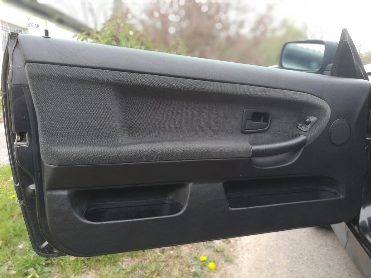 Remplacement tissu contre-porte E36