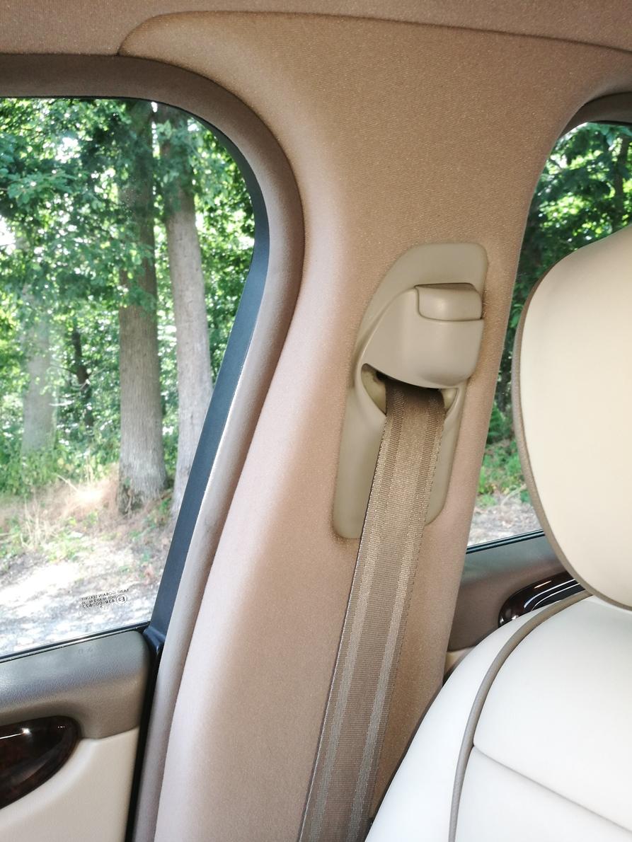 Remplacement tissu pieds milieux Jaguar XJ 8