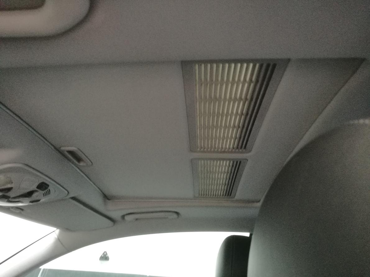 Rénovation ciel de toit coupé Mercedes CLK avec toit ouvrant