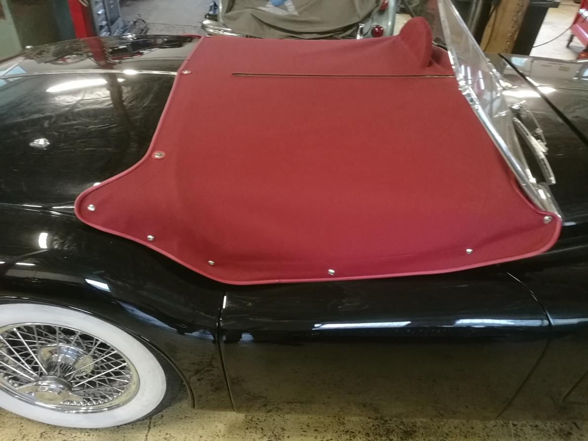 Création d'un couvre tonneau en toile Alpaga Jaguar XK 140