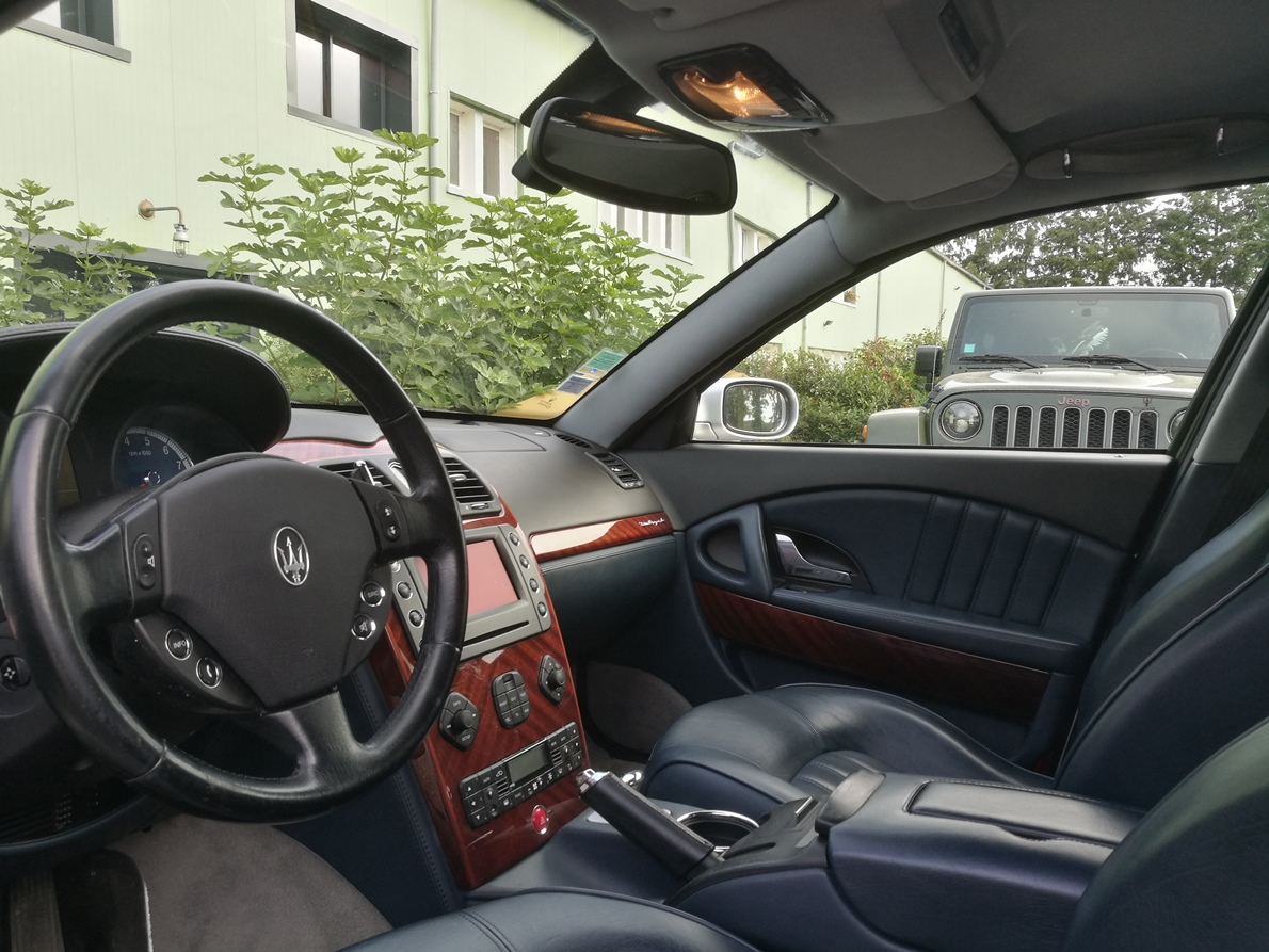 Rénovation ciel de toit Maserati Quattroporte