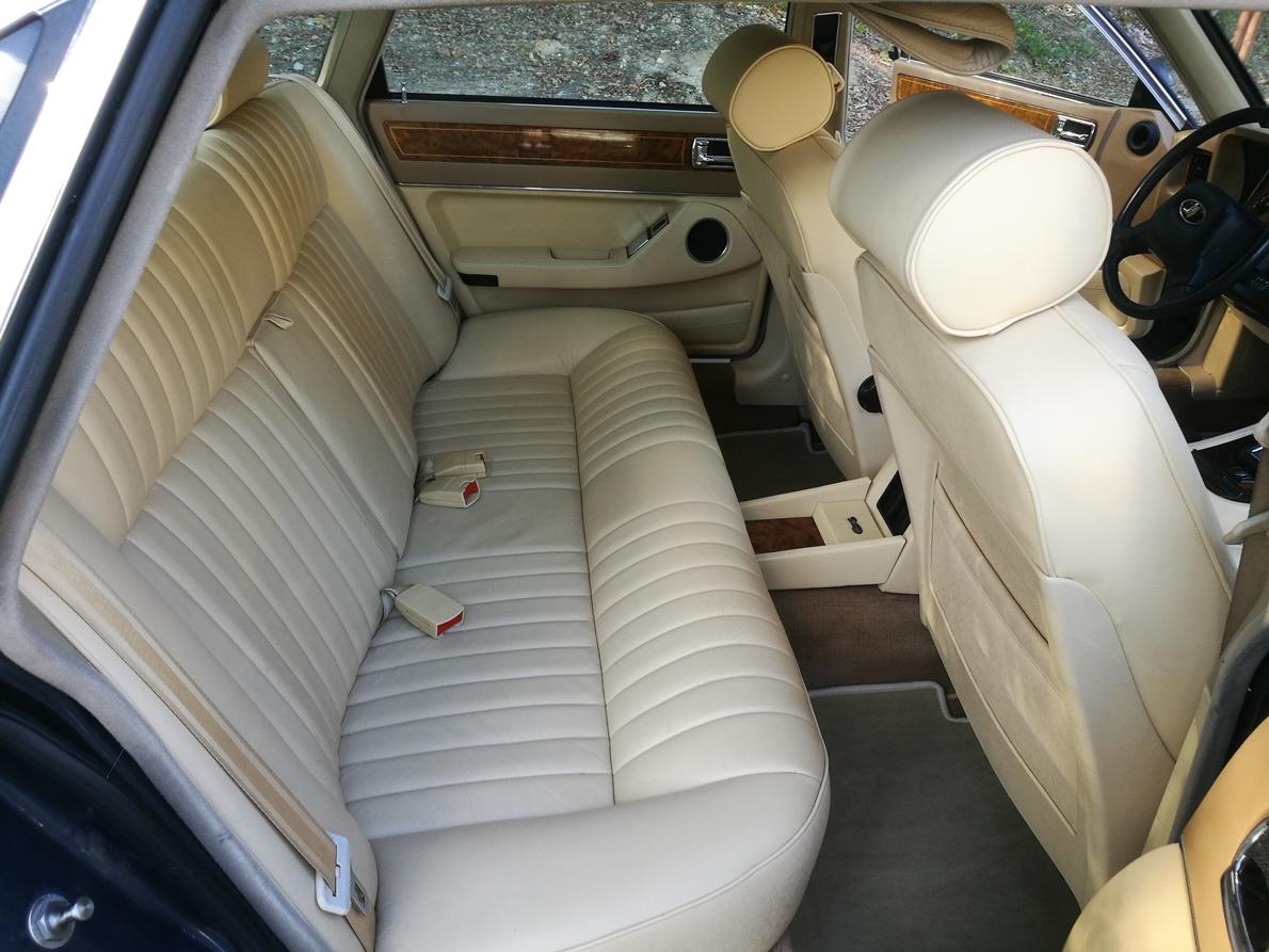 Rénovation sièges cuir magnolia Jaguar XJ40