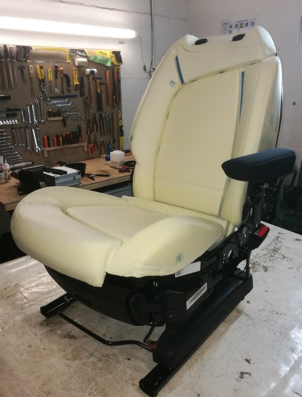 Remplacement sellerie cuir C4 Spacetourer siège démonté