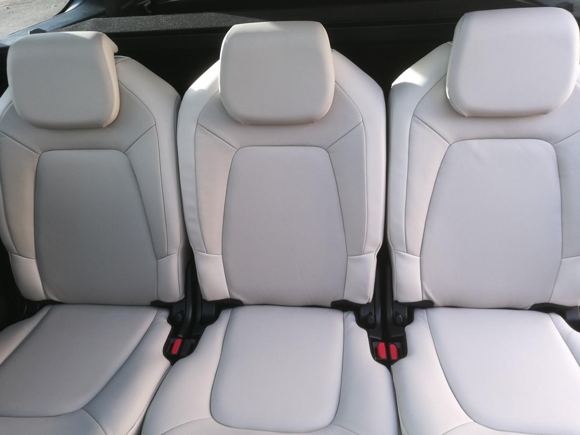 Remplacement sellerie cuir C4 Spacetourer siège mi-cuir mi-simili passagers AR