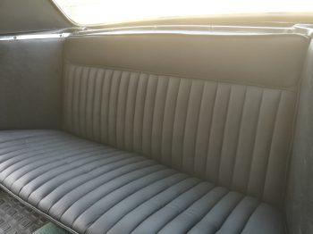 Rénovation Sellerie cuir banquette arrière Peugeot 404 Cabriolet RC Sellerie