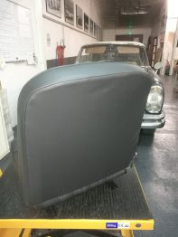 Rénovation Sellerie cuir Peugeot 404 Cabriolet RC Sellerie