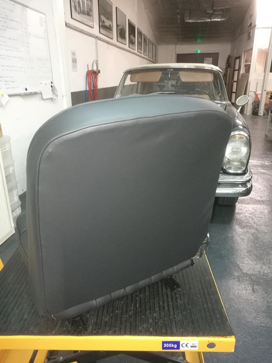 Rénovation Sellerie cuir Peugeot 404 Cabriolet