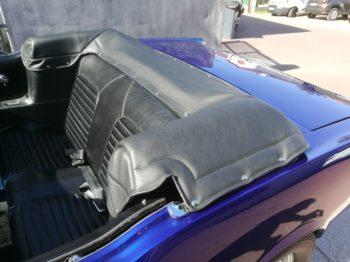 Réalisation d'un couvre capote en simili sur Ford Mustang RC Sellerie