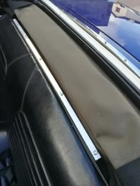 Reconception du système d'accroche du couvre capote Ford Mustang RC Sellerie