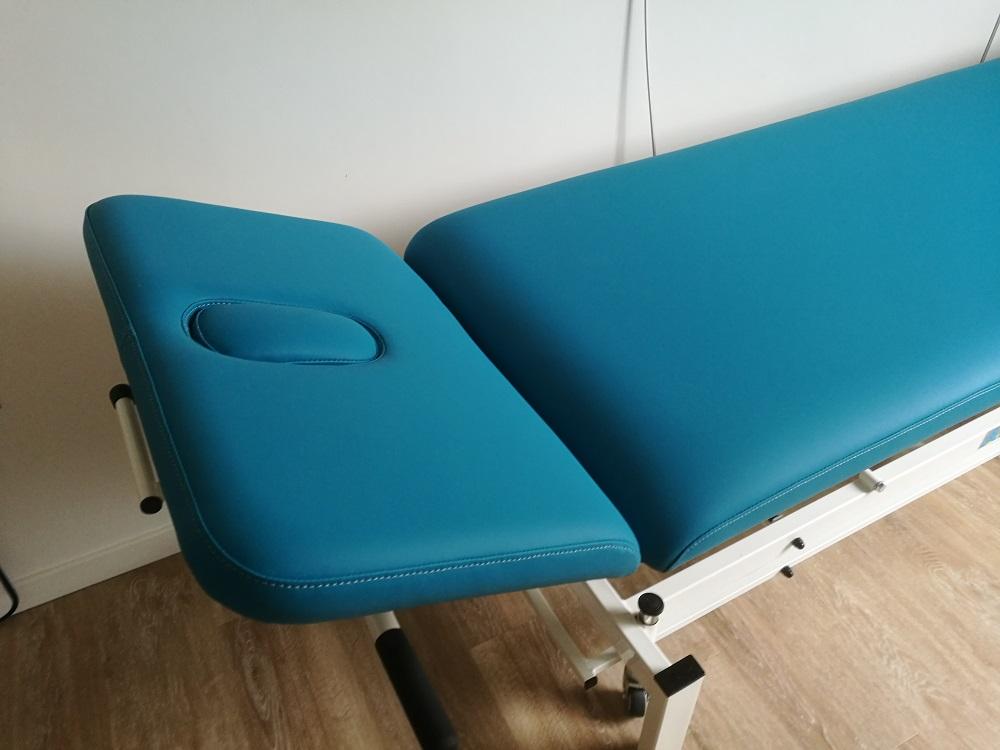 Remplacement tissu en simili médical pour uene table de kinésithérapeute