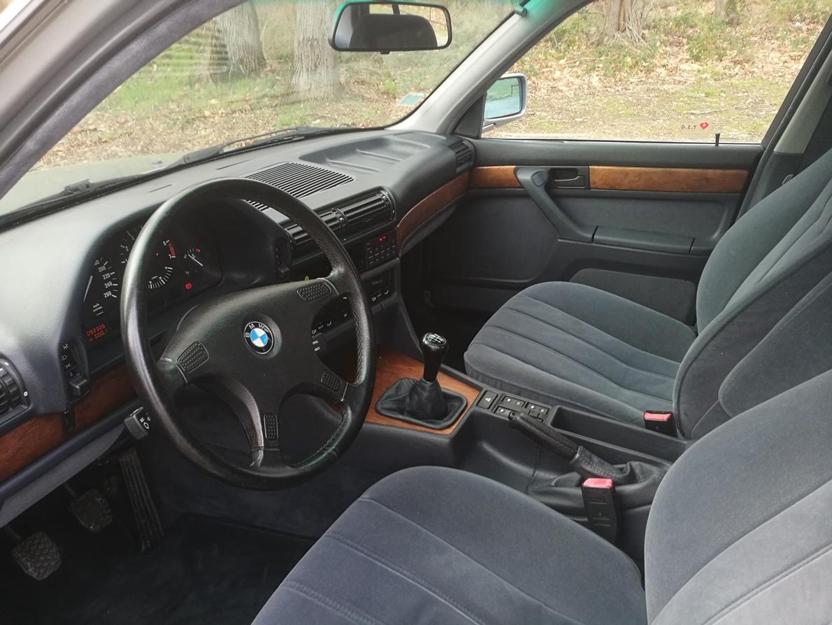 Remplacement tissu ciel de toit BMW 735