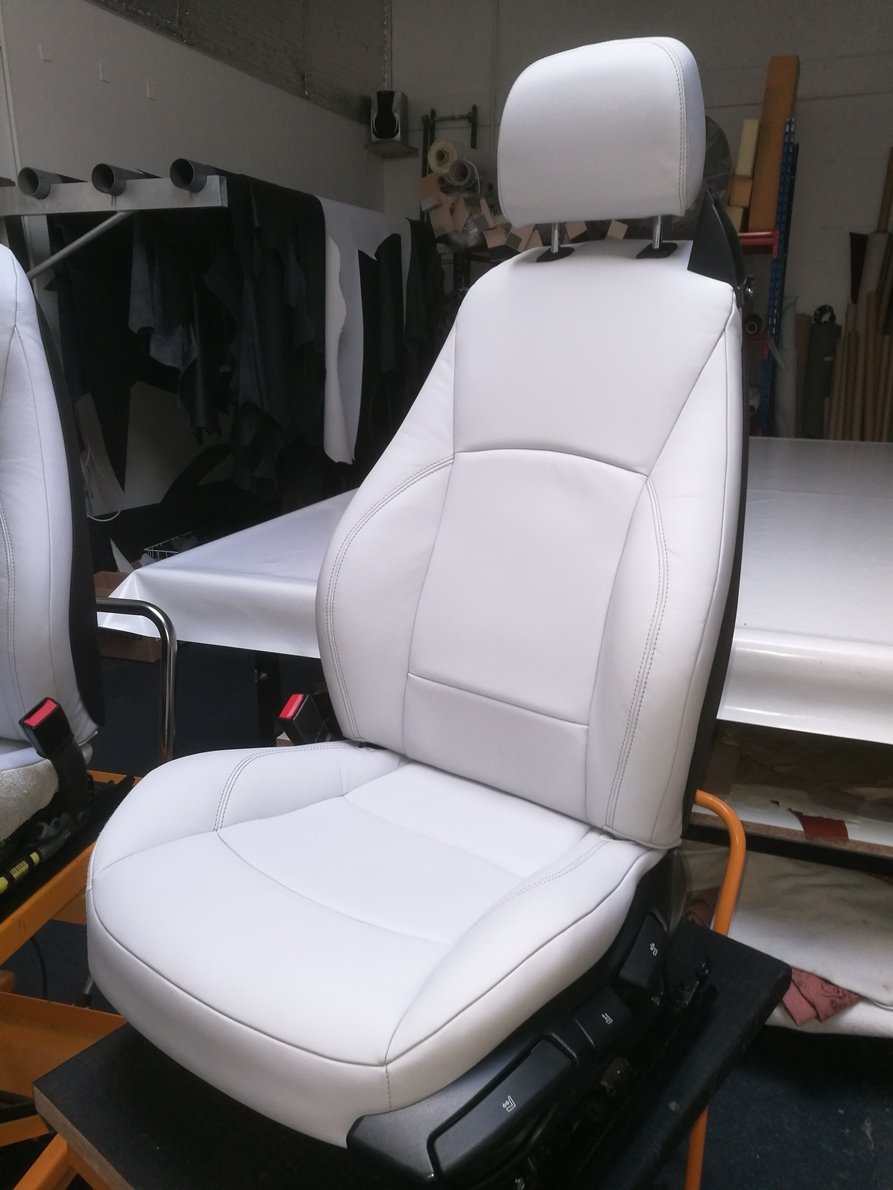 Siège en cuir BMW Z4 après rénovation