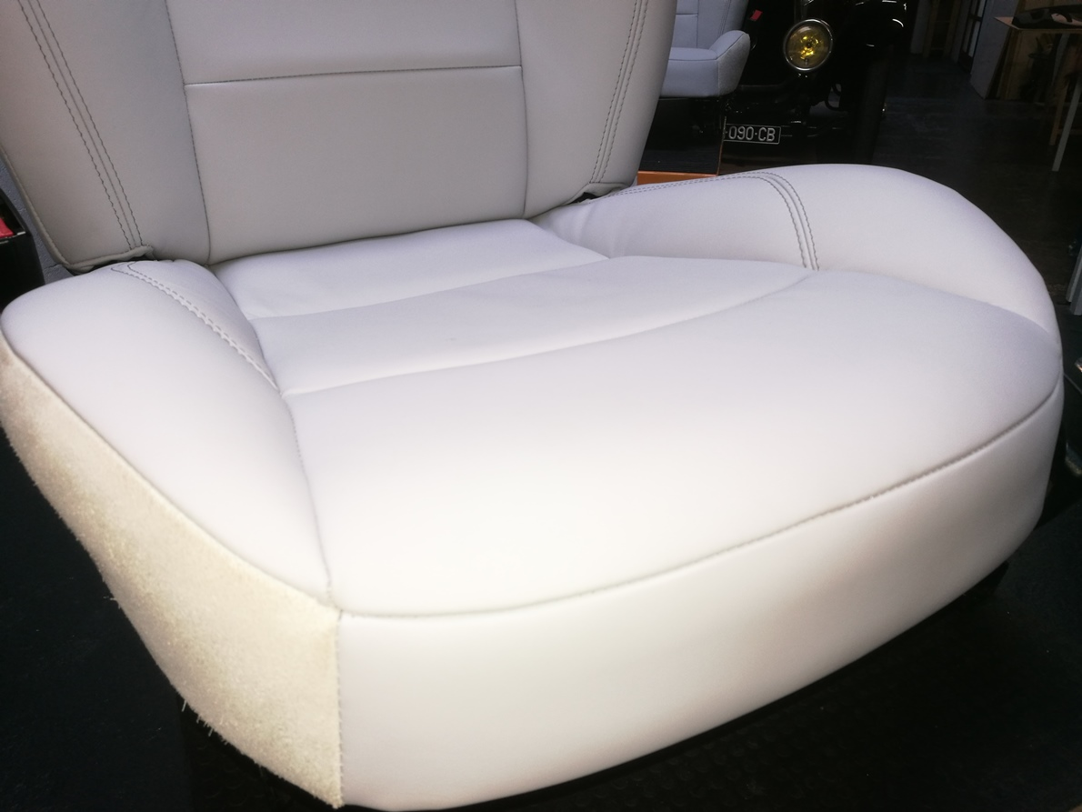 Z4 : modification de la forme des mousses d'assise et dossier pour meilleur maintien