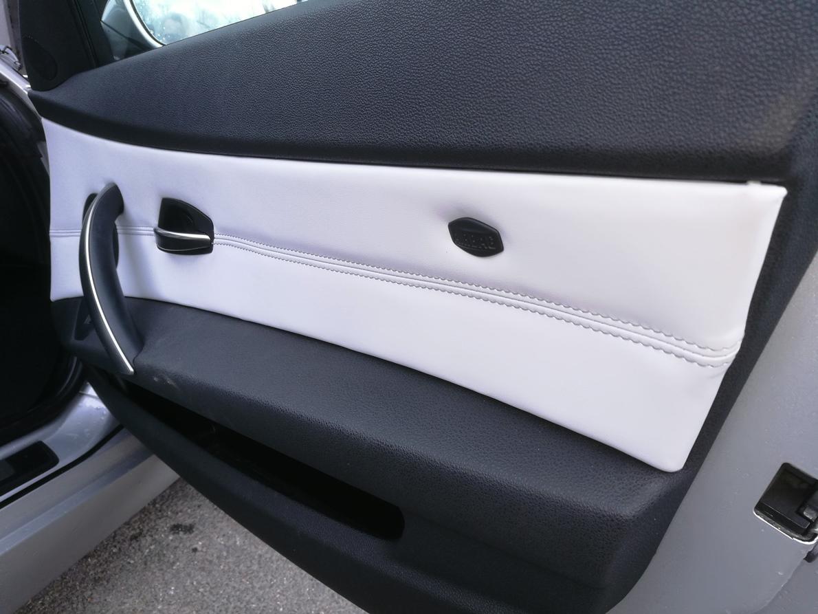 Remplacement des panneaux de portes en cuir BMW Z4