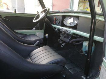 Personnalisation de l'intérieur de cette Mini Cooper S MK2 RC Sellerie