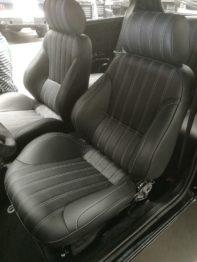 Réalisation sellerie en cuir Fiat Panda sur base siège Ford Mustang RC Sellerie