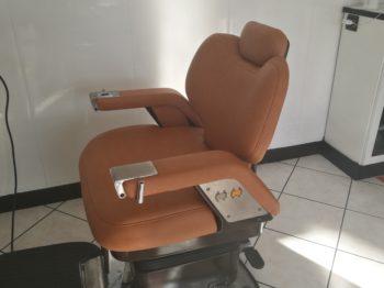 Remplacement tissu simili cuir siège de coiffeur RC Sellerie