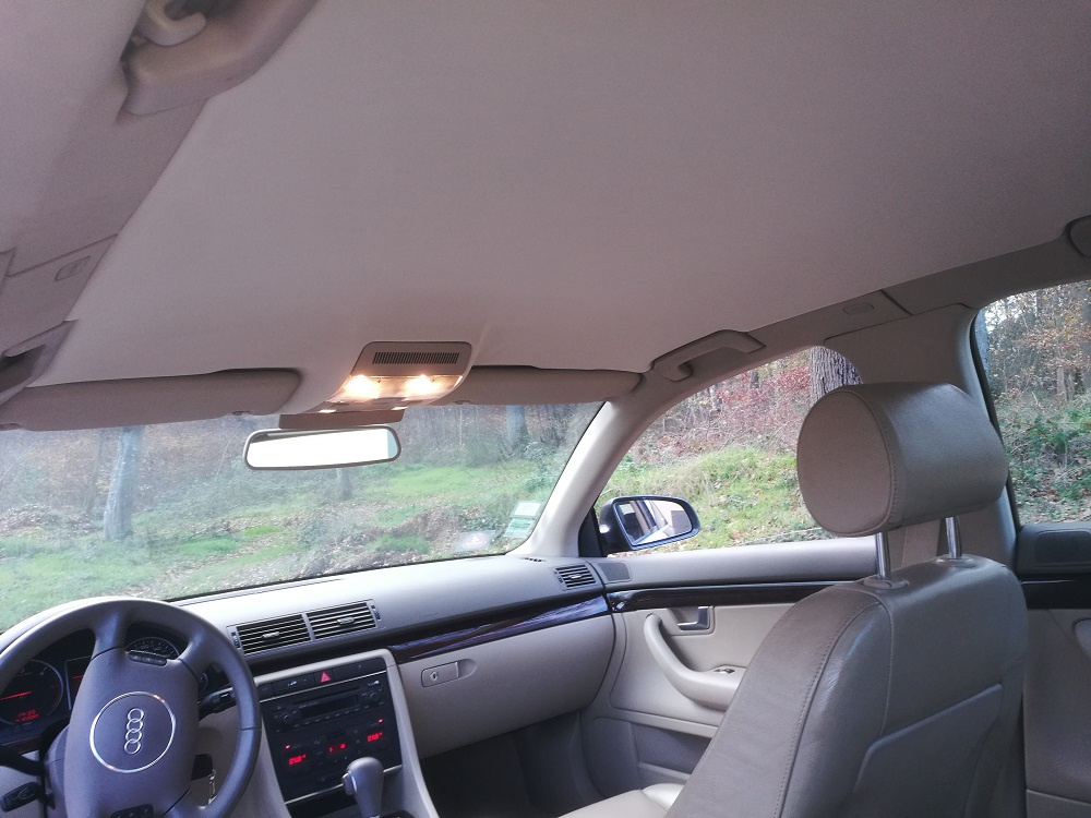 Audi A4 V6 TDI : Remplacement du ciel de toit par RC Sellerie