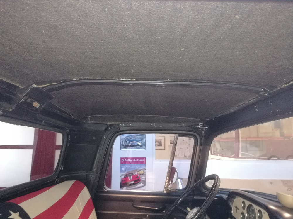Pose d'un isolant phonique et thermique végétal sur pavillon - Pick UP Ford US F100 par RC Sellerie