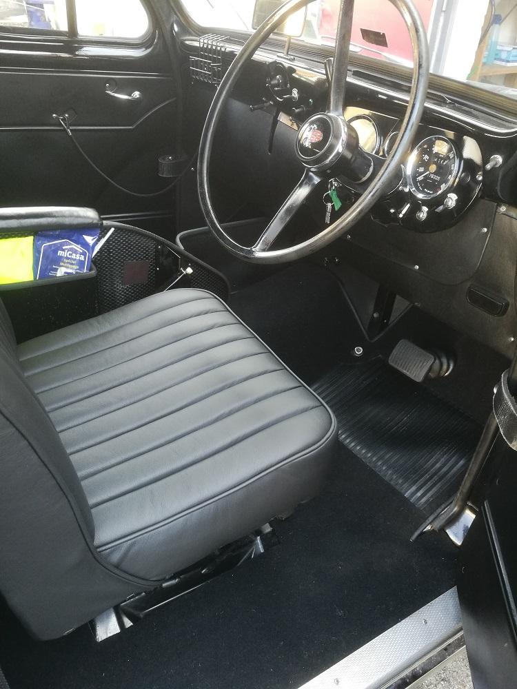 Création d'un kit moquette luxe pour ce taxi Austin par RC sellerie