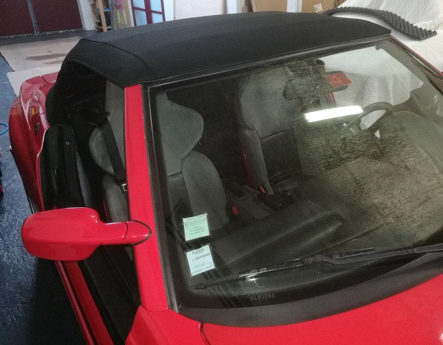 Remplacement de la capote d'un BMW Z1 en Alpaga par RC Sellerie