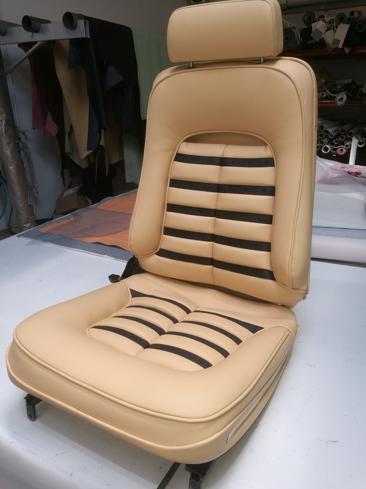 Réalisation des sièges en cuir Daytona d'une BB512 par RC Sellerie