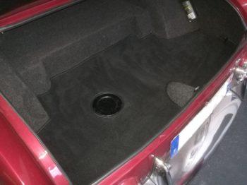 Habillage du coffre en moquette luxe par RC Sellerie sur Facel Vega III RC Sellerie